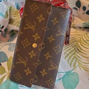 ⬇️PRICE DOWN⬇️ Authentic Louis Vuitton long wallet